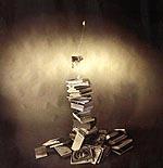 """""""De la luz y la palabra"""", fotografía de Fernando Flores Huecas (Quinto Premio del IV Certamen Fotográfico """"El placer de leer"""", Biblioteca Pública Municipal, Ayuntamiento de Salamanca, España, 1997)"""